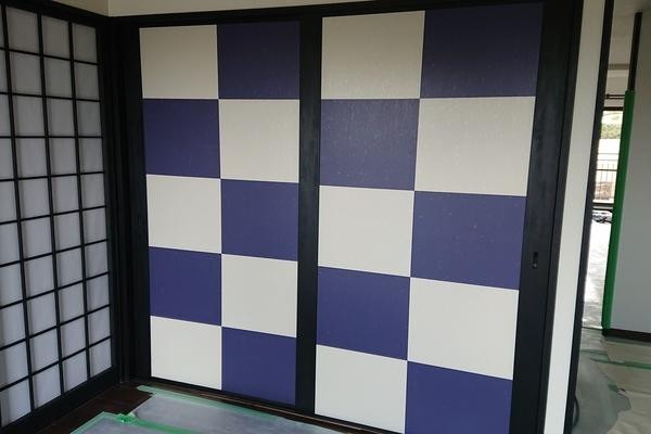 福岡市西区愛宕浜のマンションの新規戸襖に襖紙貼り